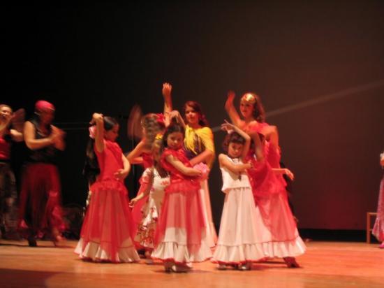 Sevillanas dansées par les enfants